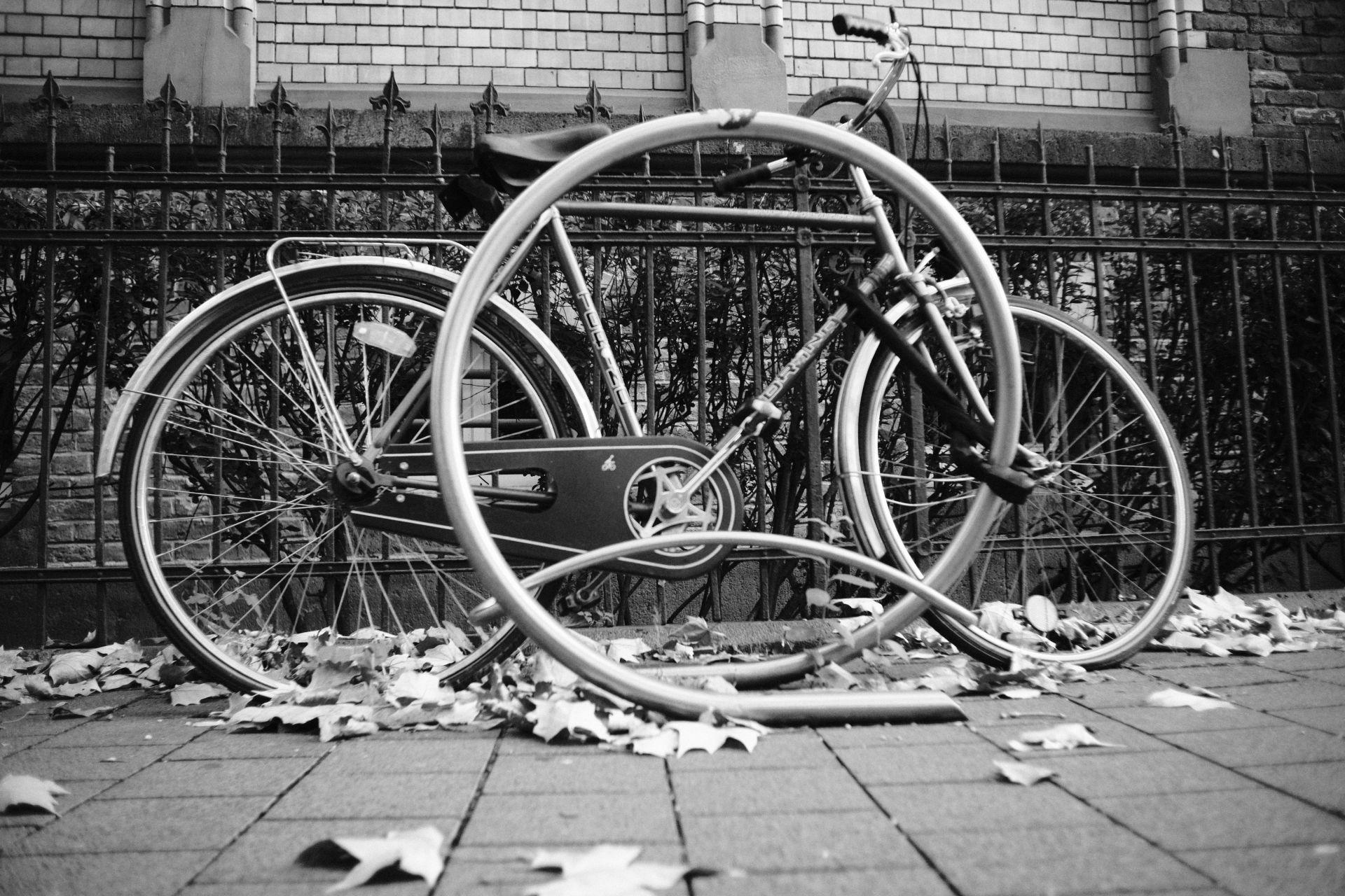 Ein Fahrrad 1/750sec ISO-3200 22mm