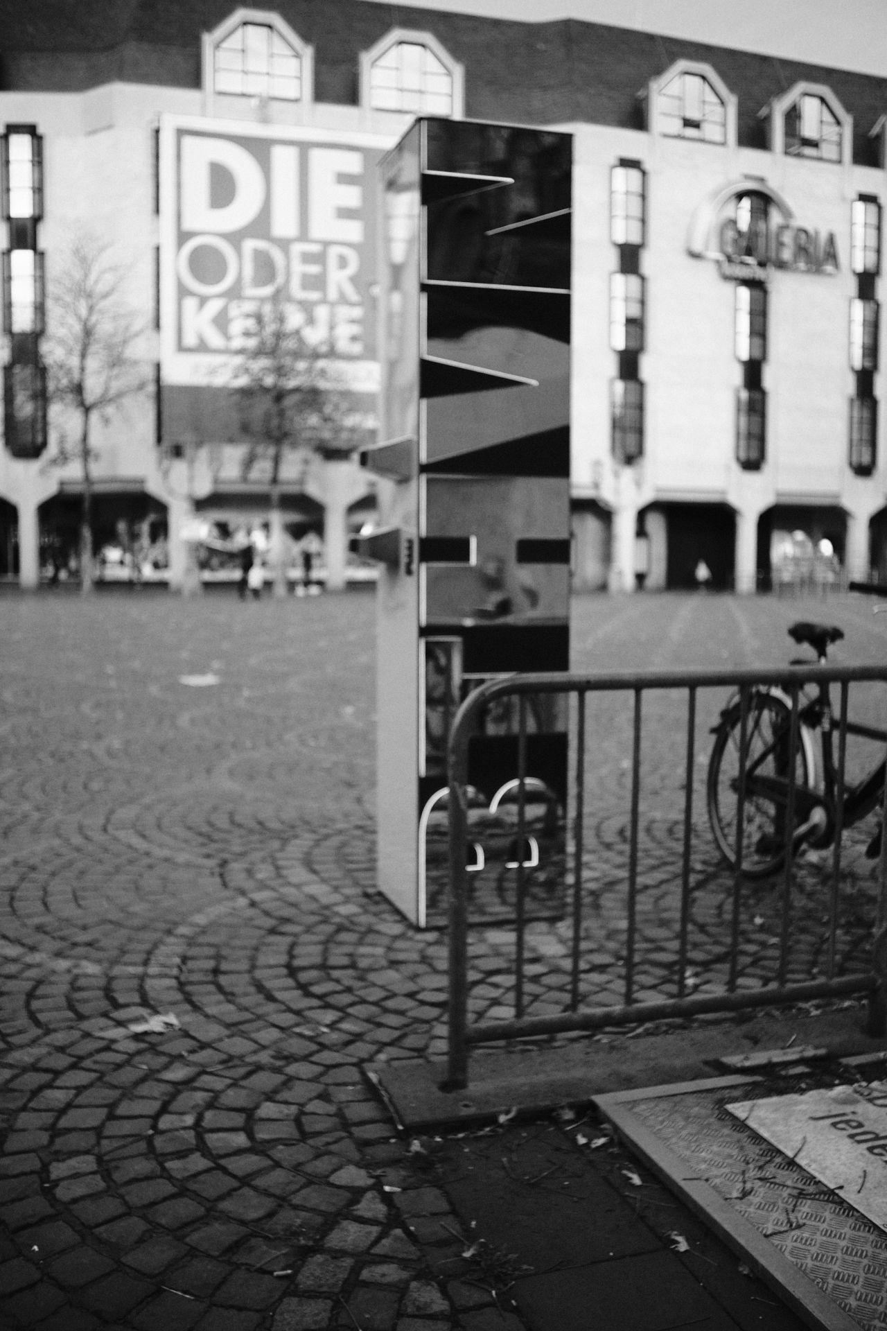 Münsterplatz 1/4400sec ISO-3200 22mm