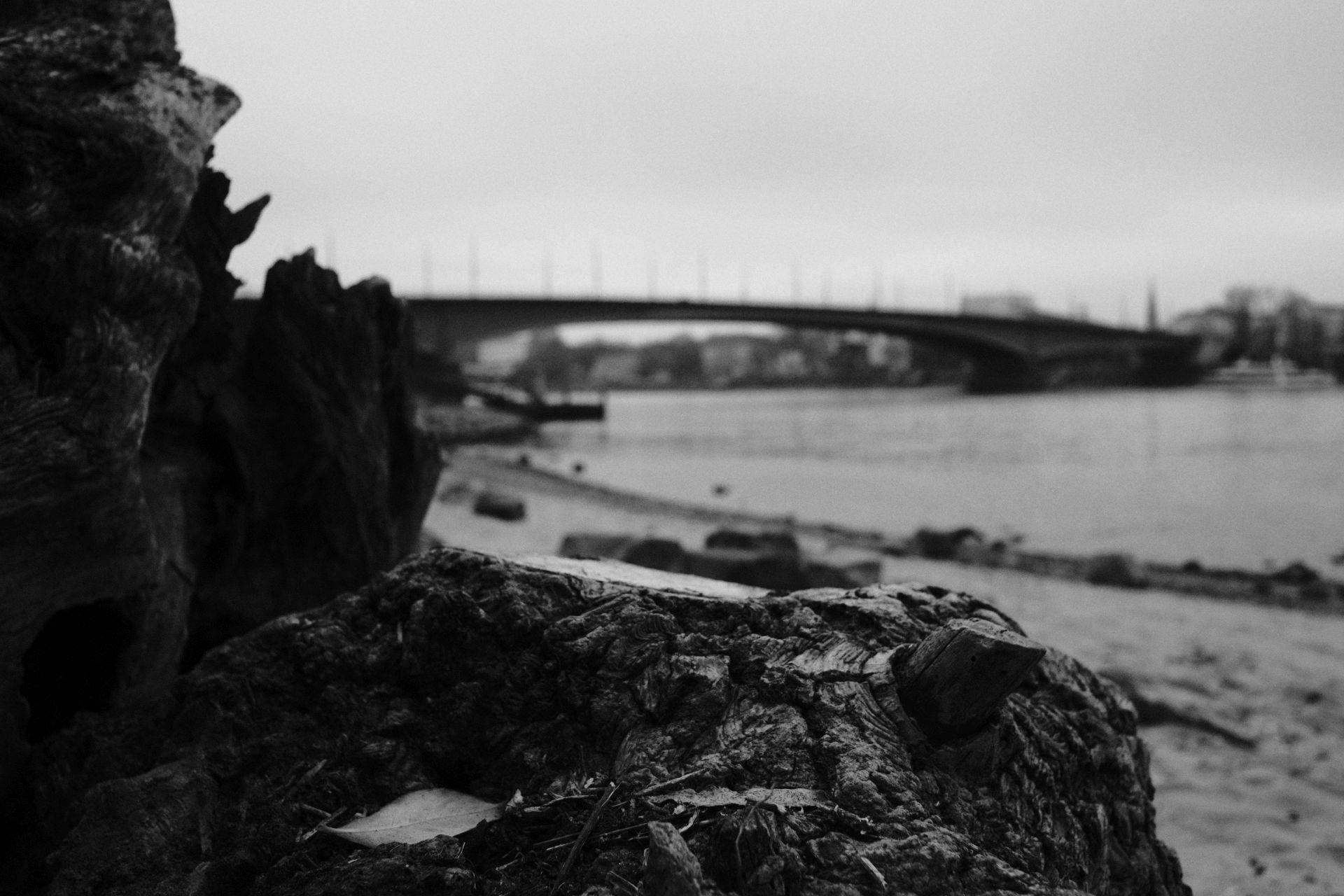 Kennedybrücke 1/2500sec ISO-3200 22mm
